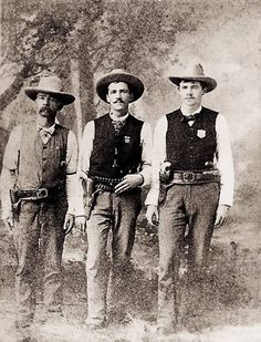 Texas Deputy U. Marshal Edward W. Johnson (at left), Texas Ranger Lorenzo K. Creekman (center) and Parker County Deputy Sheriff E. Hutchison (at right). Photo Vintage, Vintage Photos, Vintage Photographs, Westerns, Old West Outlaws, Old West Photos, Into The West, Cowboys And Indians, Real Cowboys