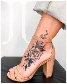 Vine Foot Tattoos, Sunflower Foot Tattoos, Butterfly Foot Tattoo, Ankle Foot Tattoo, Floral Foot Tattoo, Feather Tattoo Foot, Foot Tattoo Quotes, Baby Feet Tattoos, Small Foot Tattoos