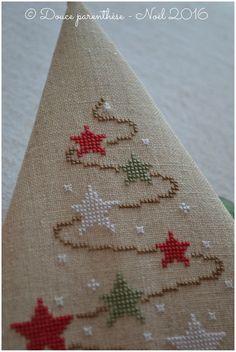 Xmas Cross Stitch, Cross Stitch Christmas Ornaments, Beaded Cross Stitch, Cross Stitch Borders, Christmas Cross, Cross Stitch Designs, Cross Stitching, Cross Stitch Embroidery, Cross Stitch Patterns
