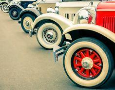 Oportunidade de negócio movida pela paixão A paixão por carros antigos move muitos colecionadores e amantes de veículos e muitos mecânicos enxergam neste hobby uma oportunidade para os seus negócios. ... Leia Mais