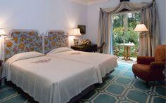 Maravillosa habitación en el Pestana Palace Hotel and National Monument 5* en la ciudad de Lisboa, Portugal!  #VoyagePriveES #hoteles #estancias #lujo #decoración