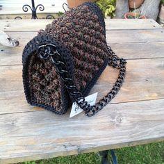 Crochet Clutch, Crochet Purses, Crochet Bags, Crochet Motifs, Knit Crochet, Popcorn Stitch, Crochet Woman, Knitted Bags, Crochet Designs
