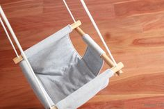 DIY Baby Swing If, like me, the thought of going to the park fills you with a quiet dread because you know you'll be sitting on a damp wall listening to 40 Baby Rag Quilts, Baby Sewing Projects, Sewing For Kids, Outdoor Fun For Kids, Solange, Diy Bebe, Baby Nest, Baby Swings, Baby Pillows