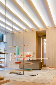 Gabellini Sheppard Crafts Ethereal Flagship for Cashmere Brand 1436 in Beijing Visual Merchandising, Retail Fixtures, Retail Store Design, Retail Stores, Vide Dressing, Store Interiors, Glass Facades, Retail Interior, Design Studio