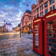 travelballoons:  Red Phone Boxes at Piccadilly Circus, London, England, UK #sunrise #bigben #redphone #redboxboxes #piccadilly #circus #piccadillycircus #london #england #uk #unitedkingdom #europe #architecture #londres #puentedelatorre #inglaterra #europa #arquitectura #phonebooth #travel #trip #traveler #traveling #travelballoons #turismo #tourism #amazing #beautiful #stunning #cityscape
