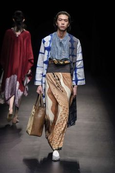 Ideas for fashion outfits winter 2018 women New Mens Fashion, Look Fashion, Trendy Fashion, Male Fashion, Fashion Styles, High Fashion, Fashion Ideas, Mode Batik, Indonesia Fashion Week