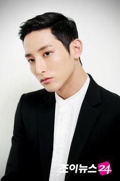 Lee Soo Hyuk Gorgeous Men, Beautiful People, Lee Hyuk, Ideal Type, Lee Soo, Asian Eyes, Kdrama Actors, Handsome Boys, Korean Actors
