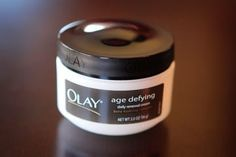16 Anti-Aging Beauty Products You& Wish You Knew About Sooner Anti Aging Cream, Anti Aging Skin Care, Anti Aging Facial, Olay Age Defying, Ponds Cold Cream, Beauty Secrets, Beauty Products, Beauty Tips, Beauty Hacks