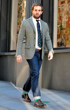Combine blazer & jeans? Why not? #style #men #fashion