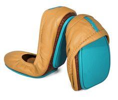 Camel-coloured travel Tieks