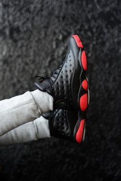 Air Jordan 13 (xiii) Black × Black × Red