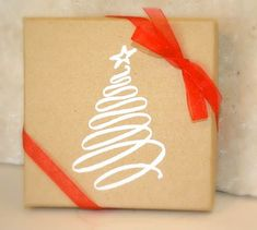 paper bag decorating gift bags ideas   45 Lovely Christmas Gift Packaging & Wrapping Ideas - Jayce-o-Yesta #giftpackaging