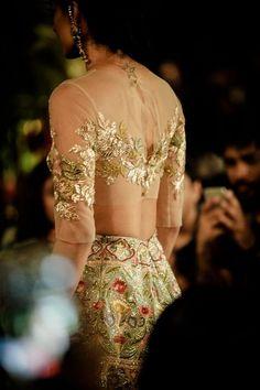 20 Latest Stylish Saree Blouse Back Neck Designs 2020 - Buy lehenga choli online Blouse Back Neck Designs, Saree Blouse Designs, Indian Wedding Outfits, Indian Outfits, Traditional Blouse Designs, Indian Blouse, Stylish Sarees, Manish Malhotra, Couture Week