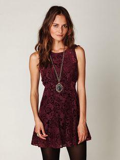 Farb-und Stilberatung mit www.farben-reich.com - Dancing Pretty Velvet Dress =)