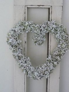 Make a beautiful wreath from your dried Hydrangeas!