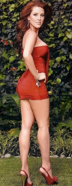 Latin Beauties - Beautiful actress, singer and former Miss Universe, Alicia Machado. Sexy Dresses, Tight Dresses, Sexy Outfits, Mini Vestidos, Mini Robes, Gorgeous Redhead, Hottest Redheads, Sensual, Beautiful Actresses