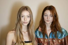Like at the Anthony Vaccarello show where models had makeup as jewellery (the earlobes displayed cuffs of liquid liner), at Dries van Noten they rocked faux gold lip rings. So cool! The cool girl hair featured dishevelled waves and 90s-esque centre partings.