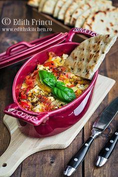 Bouyourdi - un aperitiv grecesc absolut delicios, facut din legume si branza feta coapte la cuptor.