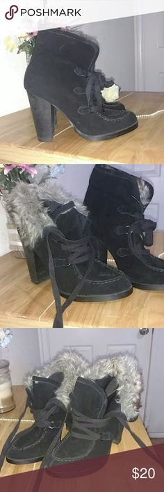 """Steve Madden moccasin Fur heels. Real Black Leather and Suede. Fur inside. 4"""" heel. 7 1/2 Women Steve Madden Shoes Ankle Boots & Booties"""