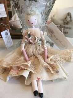 Wooden Pegs, Wooden Dolls, Christmas Tree Fairy, Fairy Clothes, Clay Dolls, Hello Dolly, Fairy Dolls, Fairy Gardens, Faeries