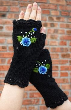 Black crochet fingerless mittens with floral embroidery Fingerless Gloves Crochet Pattern, Fingerless Mittens, Knit Mittens, Knitted Gloves, Wrist Warmers, Hand Warmers, Romantic Gifts For Wife, Crochet Toys Patterns, Hat Patterns
