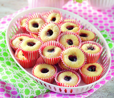 Glutenfria hallongrottor Gluten Free Cakes, Vegan Gluten Free, Gluten Free Recipes, Paleo, Candy Cookies, Swedish Recipes, Foods With Gluten, Something Sweet, Food Allergies