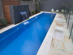 Pool ideas - Find pool ideas with of swimming pool photos Love this lap pool built with 3 sides of wall- great for safety Lap Swimming, Swimming Pool Photos, Swimming Pool Designs, Pool Spa, Pool Water, Langer Pool, Small Backyard Pools, Outdoor Pool, Backyard Ideas