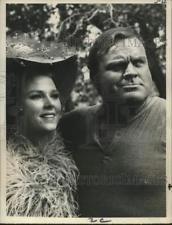 "Press Photo Mariette Hartley and Dan Blocker, ""Bonanza"""