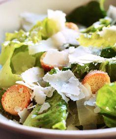 Croquettes de quinoa à la courgette et au prosciutto - Véronique Cloutier Sauce Cesar, Healthy Salads, Healthy Recipes, Marinade Sauce, Vinaigrette Dressing, Homemade Taco Seasoning, Cold Meals, Entourage, Salad Recipes