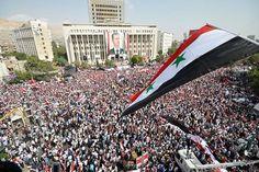 Jeden z dziesiątków marszy w poparciu Assada, przemilczany przez zachodnie media, 2013. http://democratic-syria.blogspot.com/2013_03_01_archive.html
