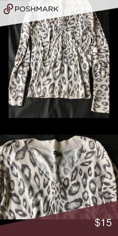Express L/S V Neck Sweater Color. Cream Black Gray. Excellent condition normal pulling from washing. Express Sweaters V-Necks