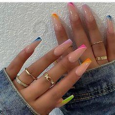Bling Acrylic Nails, Acrylic Nails Coffin Short, Coffin Shape Nails, Summer Acrylic Nails, Spring Nails, Acrylic Nails With Design, Acrylic Nail Designs Coffin, Acrylic Nail Shapes, Glitter Nails