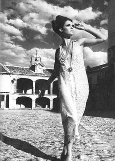Photo by Helmut Newton, 1965.  so awesome. I want to channel this EVERY DAY!