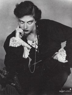 joan crawford as hamlet 1929 I ruth harriet louise