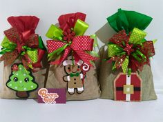 Christmas Treat Bags, Christmas Favors, Christmas Gift Wrapping, Christmas Candy, Candy Crafts, Christmas Crafts, Christmas Ornaments, Decoration Table, Xmas Decorations