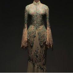 Kebaya modern / bernard chandran Batik Kebaya, Kebaya Dress, Model Kebaya, Kebaya Muslim, W Dresses, New Years Dress, Traditional Outfits, Bride, Elegant