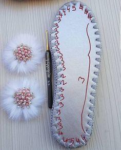 Crochet Sole, Crochet Shoes Pattern, Crochet Sandals, Crochet Poncho Patterns, Crochet Boots, Bead Patterns, Crochet Triangle, Crochet Motif, Diy Crochet