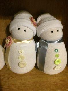 Mom and dad sock snowmen