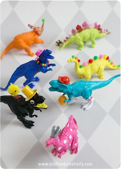 Kids Craft Projects for When You've Hit Your Limit – Soap Deli News – DIY Craft Projects – Home crafts Plastic Animal Crafts, Animal Crafts For Kids, Craft Projects For Kids, Diy Crafts For Kids, Arts And Crafts, Diy Projects, Plastic Animals, Kids Diy, Craft Kids