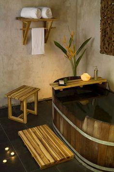 20 Easy DIY Hot Tub Ideas, Suitable for Any Budget – Street Mouse – – Ley Straker – japanesetubs Japanese Bathroom, Zen Bathroom, Bathrooms, Japanese Interior Design, Japanese Design, Japanese Style, Feng Shui, Japanese House, Japanese Spa