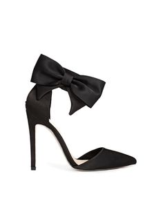 ASOS has done the bow right. I've seen other brands make a cheap looking version with an oversized flat, odd shaped bow.