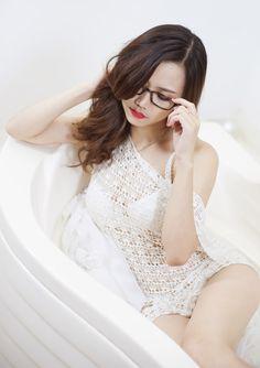 Bathgirl Linhkeo3