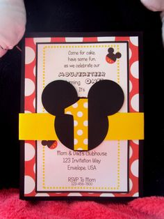 Invitaciones de fiesta de cumpleaños de Mickey por TooCuteInvites