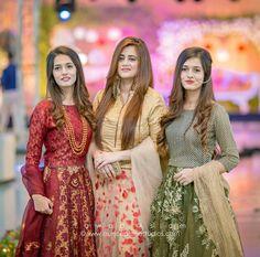 Asian Wedding Dress Pakistani, Pakistani Formal Dresses, Pakistani Fashion Casual, Pakistani Dress Design, Pakistani Outfits, Indian Designer Outfits, Designer Dresses, Wedding Dresses For Girls, Girls Dresses
