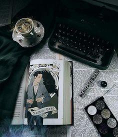 ~ 📖 ~ • • • #shadowhuntersbooks #shadowhunters #cazadoresdesombraslibros #cazadoresdesombras #magnusbane #magnus #bane #cassandraclarebooks… Bane, Cassandra Clare Books, Shadow Hunters, Instagram, The Mortal Instruments