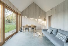 Image 4 of 32 from gallery of Garden Buildings Warmington / Ashworth Parkes Architects. Photograph by Justin Paget Photography