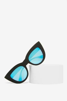 Insanely cute cat-eye shades featuring a matte black frame with blue lenses