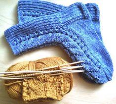 PAPPILAN ELÄMÄÄ: Ensimmäinen Kerttu valmiina ohjeineen ja uusi aloitettuna Knitting Socks, Knitted Hats, Knit Socks, Fingerless Gloves, Arm Warmers, Mittens, Knit Crochet, Sewing, Handmade