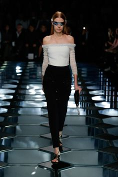 Balenciaga Spring 2015 RTW – Runway – Vogue