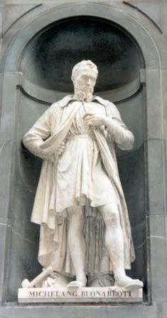 Florence - statue of Michelangelo in Piazzale degli Uffizi  photo: Robert Bovington 2000 https://plus.google.com/+RobertBovington/photos